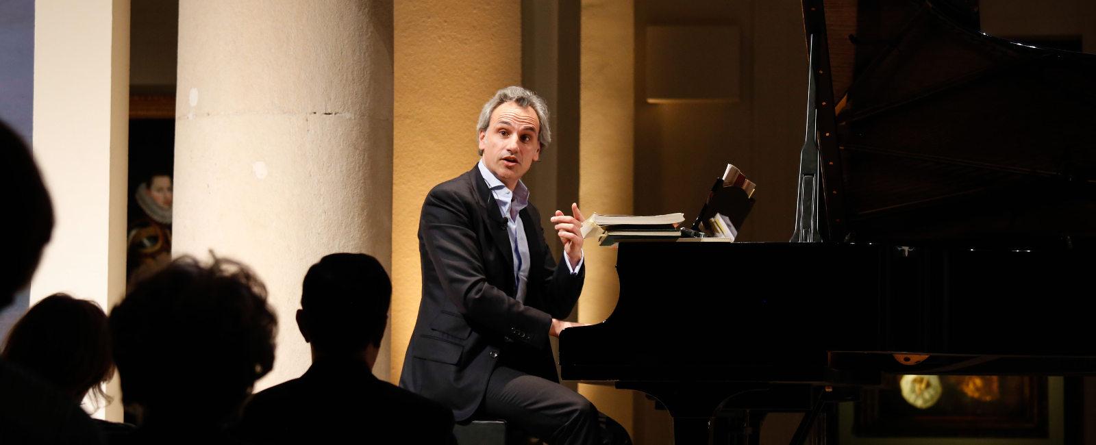 El director de orquesta y compositor Pedro Halffter Caro